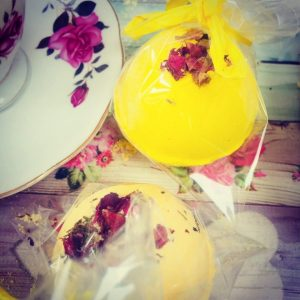 Cosmetics Making Experience with Afternoon Tea