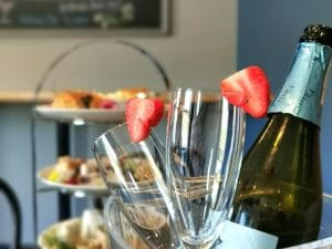 Cosmetics Making Workshop With Prosecco Afternoon Tea