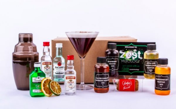 Stay at home cocktail experience - swift shake box